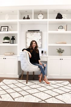 My New Home Office + 2019 Goals - Simply Sutter traditional modern farmhouse white built in office Always wanted to be able to knit, nonetheless unsure where to start? Home Office Layouts, Home Office Space, Home Office Design, Home Office Furniture, Home Office Decor, Home Decor, Office Ideas, Office Designs, Small Office