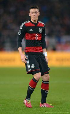 Ozil, Germany vs. Chile 2014