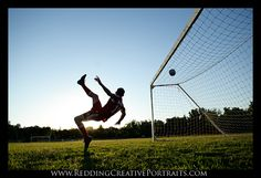 this makes me REALLLY wish I could do a bicycle kick!