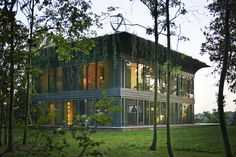 Casas P.A.T.H. / Philippe Starck + Riko