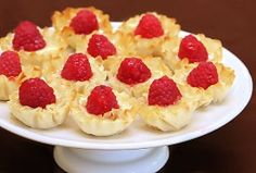 brie & raspberry phyllo cups