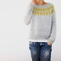 Humulus Knitting pattern by Isabell Kraemer - Pulli Sitricken Sweater Knitting Patterns, Knitting Sweaters, Afghan Patterns, Knitting Yarn, Brooklyn Tweed, Dress Gloves, Work Tops, Pulls, Clothes
