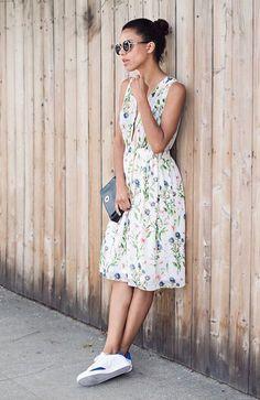 Grasie Mercedes com Vestido Midi Floral