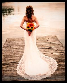 Sunflowers and lace...yes <3