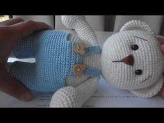Create and Decorate: 18 Cute And Easy Valentine Decorations To DIY Crochet Hedgehog, Crochet Bear, Crochet Home, Crochet For Kids, Crochet Dolls, Free Crochet, Amigurumi Tutorial, Amigurumi Patterns, Crochet Patterns