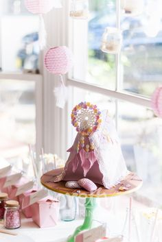 PJ, POPCORN AND PILLOW PARTY dreamcatcher cake