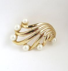 """A #Brooch For Her! Vintage Crown Trifari 1960s Brooch #Pin in Gold Tone Metal with six Faux Pearls.  ● The Brooch measures 1-1/2"""" h x 1-1/4"""" w ● Signed Trifari with Crown symbol ● It is in goo... #vintage #jewelry #brooch #pin #jewellery"""