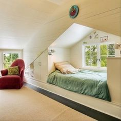 So cozy! Perfect for reading and looking out the window.  home ideas (41) and more floor space ;)