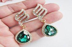 Emerald Jewelry, Emerald Gemstone, Buy Rings, Cute Jewelry, Fingers, Searching, Natural Gemstones, Jewellery, Drop Earrings