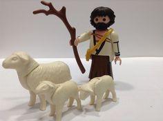 Toy Display, Dani, Ideas Para, Lion Sculpture, Toys, Crafts, Nativity Scenes, Pastor, Xmas