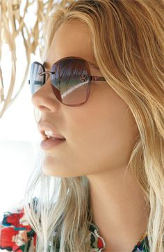 Want these.  Tory Burch sunglasses in black gradient. #sunglasses $145