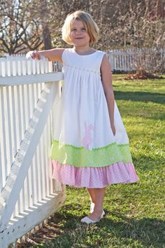 Love this dress for Easter!! So who do I know that can sew????