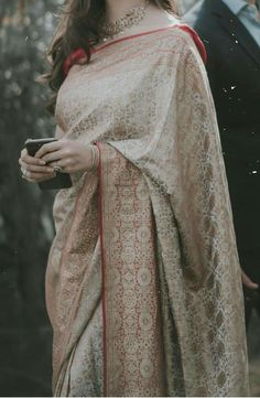 South Indian Bride Saree, Indian Bridal Sarees, Pakistani Bridal Dresses, Wedding Dresses For Girls, Formal Dresses For Weddings, Formal Wedding, Dress Indian Style, Indian Wear, Indian Outfits