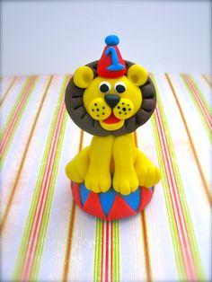 Fondant circus animal ( lion ) cupcake / cake topper $12.00