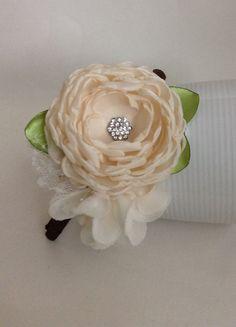Soft cream flowers headband by JensBowdaciousBows on Etsy, $14.95