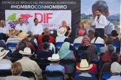 El Secretario de Desarrollo Social del Estado de Querétaro (SEDESOQ), Agustín Dorantes Lámbarri acompañado por el presidente municipal de El...