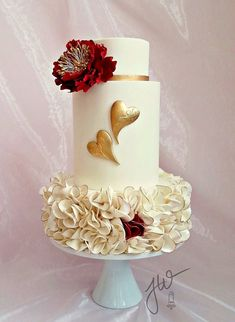 by Jeanne Winslow Cake Design Heart Wedding Cakes, Beautiful Wedding Cakes, Gorgeous Cakes, Pretty Cakes, Cute Cakes, Valentines Day Cakes, Valentines Day Weddings, Fondant Cakes, Cupcake Cakes