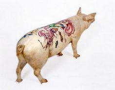 Jeff Koons tattooed pig