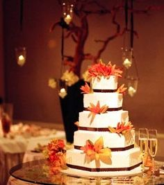 I like square cakes with the fall colors, one of the favorites.