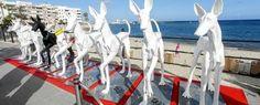 El proyecto 'Lucas y Dafne' de la galería ibicenca se presentó ayer por la tarde en el Paseo de S'Alamera de Santa Eulària.