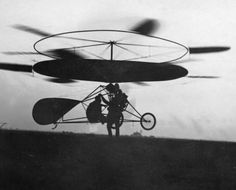 """Ellehammers helikopter i luften i 1913. Foto: Danmarks Tekniske Museum""  (submitted by ""jf"" - tak/thanks)"