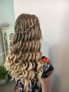 Model Penelope Rose Waterfall Braid With Ringlets H - fancy hairstyles rose fancy hairstyles for teens Quince Hairstyles, Fancy Hairstyles, Down Hairstyles, Semi Formal Hairstyles, Baddie Hairstyles, Homecoming Hairstyles Down, Homecoming Hair Down, Hair For Prom, Wedding Hairstyles