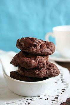 Chocolate Soufflé Cookies (Blue) by Le Petrin, via Flickr