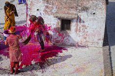 Festival di holi by Antonio Gibotta, via Behance