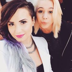 Demi Lovato with Bea Miller//my two fav people