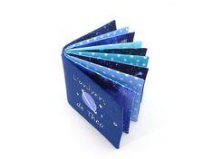 Album photo tissu personnalisé couverture bleu marine thème | Etsy Galaxy Theme, Album Photo, Beautiful Family, Bleu Marine, Softies, Custom Fabric, Instagram Story, Sketches, Stars