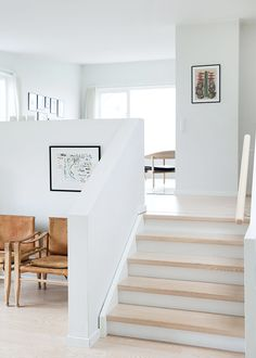 ideas for kitchen remodel split level home stairs ideas for kitchen remodel split level home ideas for kitchen remodel split level home stairs ELLE ESTe BELLE - LOCARI(ロカリ) 52 Elegant Modern Staircase Design Home Renovation, Home Remodeling, Modern Staircase, Staircase Design, Split Level Kitchen, Farmhouse Style Dining Table, Sunken Living Room, Living Area, Living Rooms