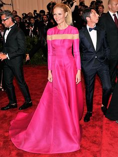 Gwyneth Paltrow went against the grain in a modest Valentino gown. How anti-establishment of her. #MetBall #BestDressed
