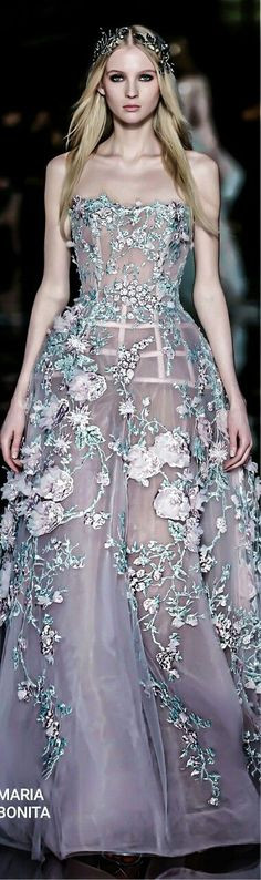 pulchritude wedding dresses simple alexander mcqueen lace by kara Fashion Mode, Couture Fashion, Runway Fashion, Fashion Vestidos, Fashion Dresses, Elie Saab, Alexander Mcqueen, Robes Glamour, Moda Outfits