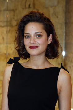 Marion Cotillard Hair: Curls & red lips: YASSSSS