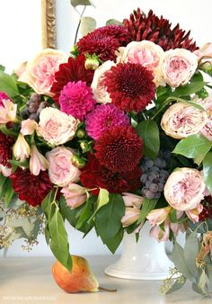Floral Arrangement in Autumn's Stunning Color Palette Floral Centerpieces, Floral Arrangements, Bloom Where You Are Planted, Flower Food, Pink Garden, Seasonal Flowers, Floral Photography, Autumn Inspiration, Pretty Flowers