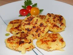 Röszti burgonya recept lépés 6 foto Hungarian Recipes, Hungarian Food, Cake Recipes, Side Dishes, Goodies, Food And Drink, Eggs, Cheese, Meat