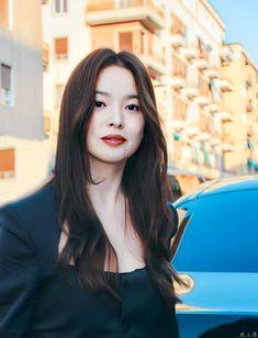 Song Hye Kyo Style, Chic Black Outfits, Alexandra Daddario Images, Instyle Magazine, Cosmopolitan Magazine, Scorpio Woman, Smart Girls, Korean Actresses, Celebs