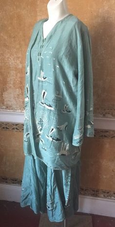 1920s 3 Piece Lounge Set Silk Pajamas Boudoir Embroidered Dressing Gown. Sideway