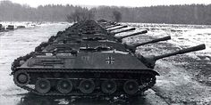 Kanonenjagdpanzers all lined up for a publicity shot