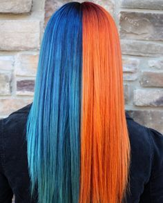 Top 11 icy light blue hair color ideas for girls 2019 Top 11 Ice Blue Hair Color Ideas for Girls 2018 There are countless different hair colors to choose from. We are not begging blond, red and brown. New hairstyles Blue And Red Hair, Black Cherry Hair, Light Blue Hair, Hair Color Blue, Cool Hair Color, Green Hair, Split Hair, Split Dyed Hair, Half Dyed Hair