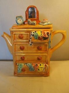 Swineside-NOVELTY-TEAPOT-tea-pot-CHEST-OF-DRAWERS-furniture-England-Pottery