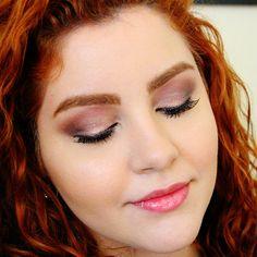 Confira o tutorial uma maquiagem iluminada e saiba como usar sombra rosa sem ficar com cara de fantasia!