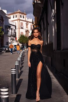 Ayelet – Black Ayelet – Black Strapless High Waist Glitter Gown w… - Kleidung Ideen Glam Dresses, Pretty Dresses, Beautiful Dresses, Fashion Dresses, Formal Dresses, Casual Dresses, Sexy Dresses, Summer Dresses, Wedding Dresses
