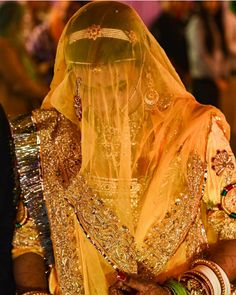 Rajasthani Bride, Rajasthani Dress, Royal Dresses, Indian Dresses, Rajputi Dress, Indian Bridal Lehenga, Saree Look, Crop Top Sweater, Bridal Beauty