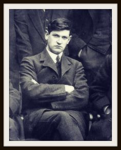 Michael Collins was an Irish revolutionary leader, Minister for Finance, Director of Information, and Teachta Dála (TD) for Cork South in the First Dáil of 1919, Adjutant General, Director of Intelligence, and Director of Organisation and Arms Procurement for the IRA, President of the IRB from November 1920 until his death, and member of the Irish delegation during the Anglo-Irish Treaty negotiations. Collins was shot and killed in an ambush in August 1922 during the Irish Civil War. Ireland 1916, Ireland Map, Dublin Ireland, Irish American, American Girl, Old Irish, Michael Collins, Fight For Freedom, Modern History