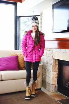 Ralph Lauren coat (on major sale), similar vest here // white slouchy sweater black leggings // Sorel boots (borro. Cold Weather Outfits, Fall Winter Outfits, Winter Wear, Autumn Winter Fashion, Winter Snow, Winter Boots, Snow Boots Outfit, Nylons, Outfit Invierno