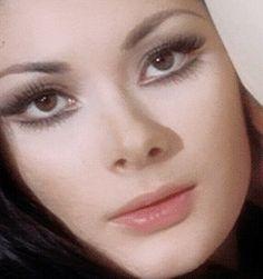 vintage makeup Dolls Of The Makeup Looks/Edwige Fenech Doll Eye Makeup, Anime Eye Makeup, Rainbow Eye Makeup, Korean Eye Makeup, Hooded Eye Makeup, Smokey Eye Makeup, Asian Makeup, Eyebrow Makeup, Face Makeup
