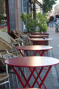 Addiction to good cafes - null