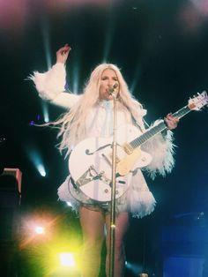 I've found a rainbow ❤ Kesha Rainbow, Kesha Animal, Kesha Sebert, Free Kesha, Kesha Rose, Female Guitarist, Beatnik, Carrie Fisher, Lorde