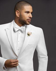 Peak Lapel White Tuxedo for stylish Quince chambelanes Groom Tuxedo, Tuxedo Suit, Tuxedo For Men, Wedding Suit Styles, Wedding Suits, Wedding Attire, Wedding Tuxedos, Wedding Dresses, Groom Attire